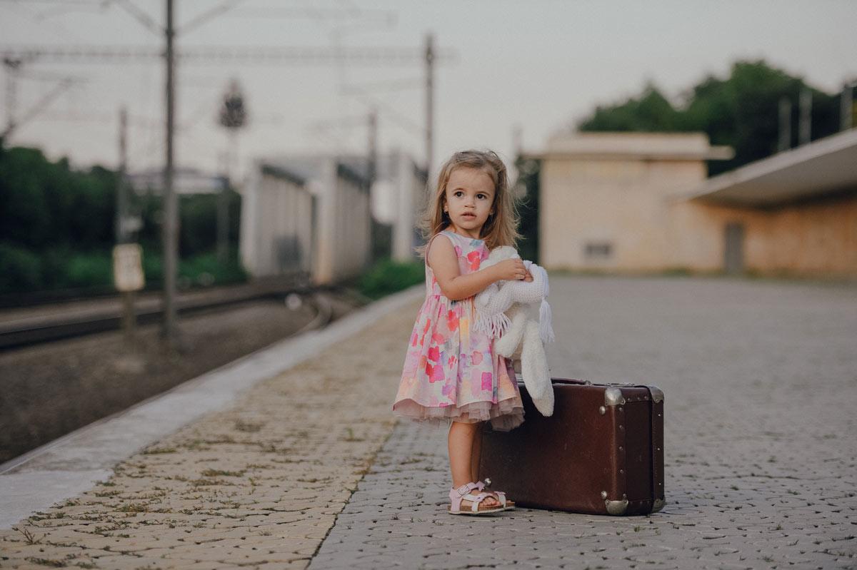 fotograf-profesionist-bucuresti-copii-natura-gara